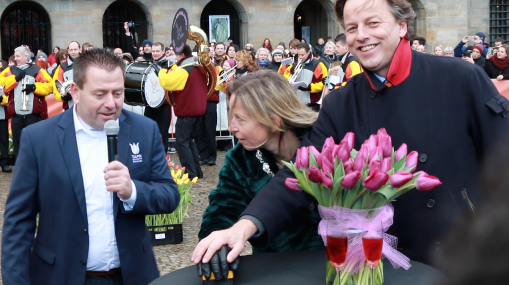 National Tulip Day - Minester of Foreign Affairs and Deputy Major of Amsterdam